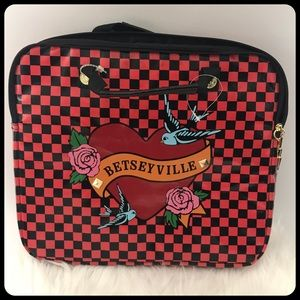 Betseyville laptop case New